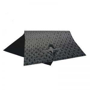 Zwart zijdepapier Opdruk: Marlies Dekkers in zilver