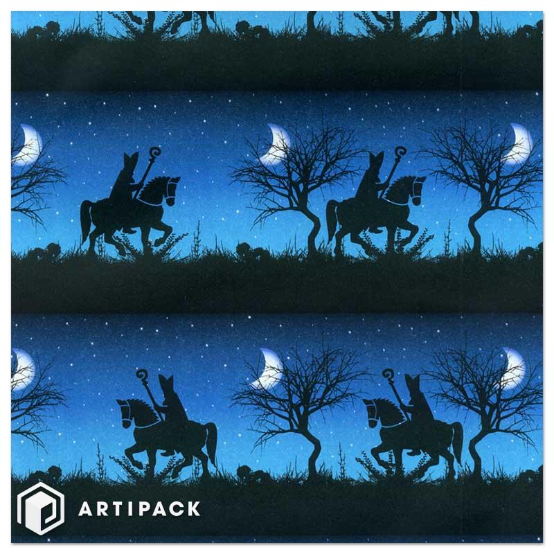 cadeaupapier zie de maan schijnt door de bomen in blauw
