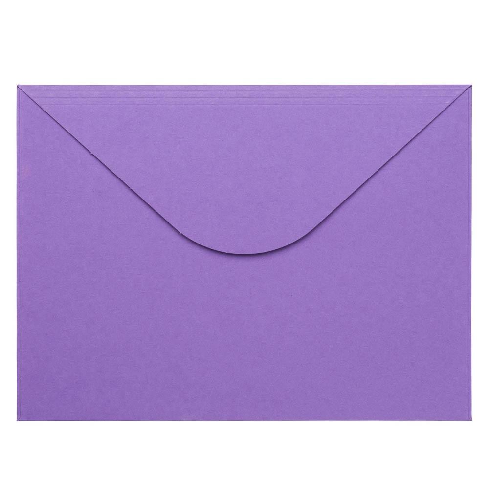paars gekleurde envelop