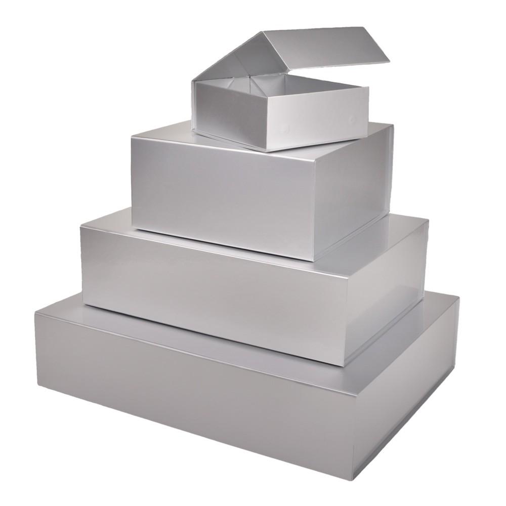 zilverkleurige dozen